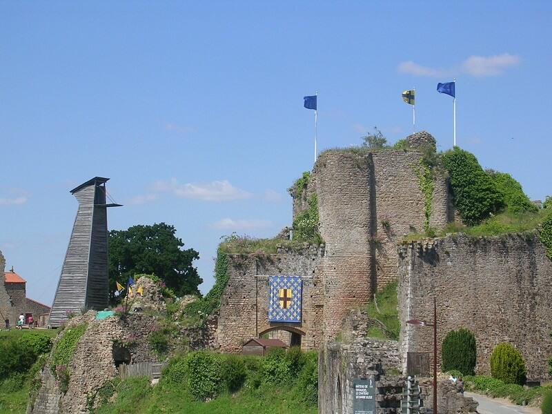 Chateau Tiffauges - Découvrir la Vendée